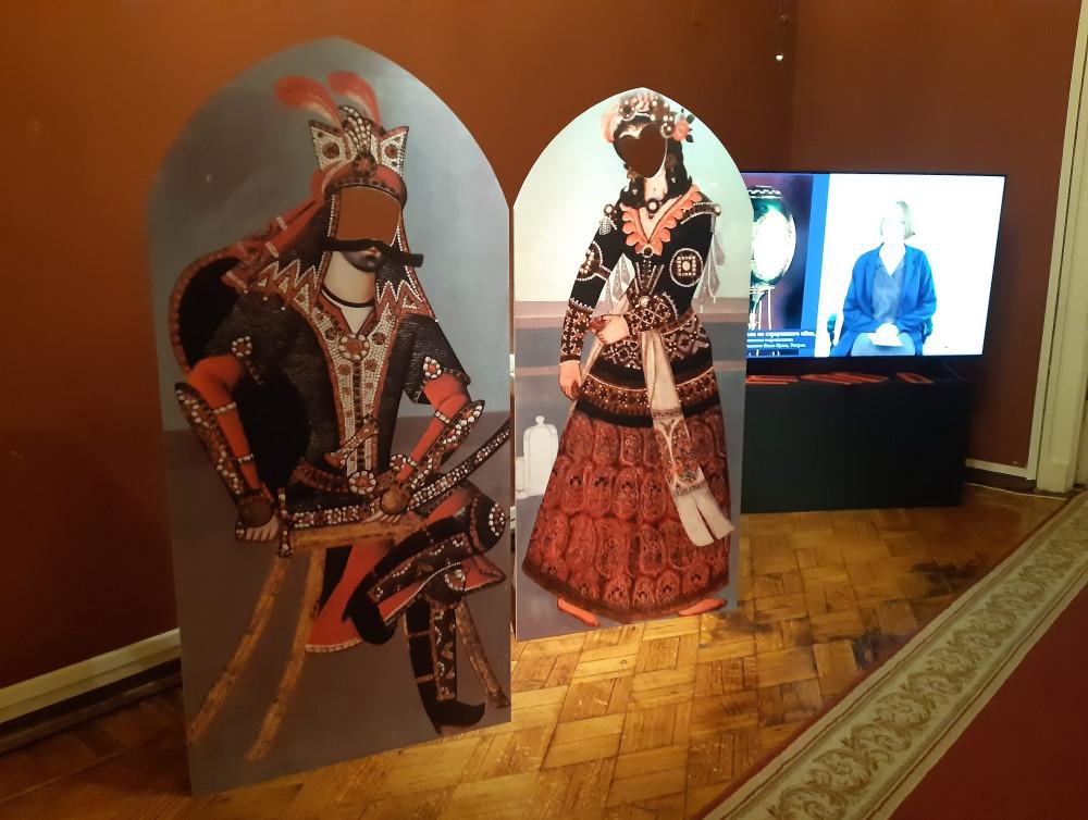 Персиянки из гаремов иранского шаха - на выставке в Москве