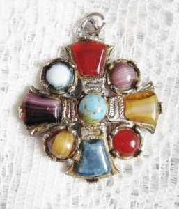vintage-1970s-scottish-agate-flass-hollywood-pendant-cross-2.jpg