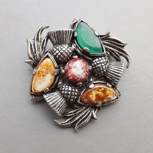 vintage-scottish-glass-agate-thistle-brooch-4.jpg