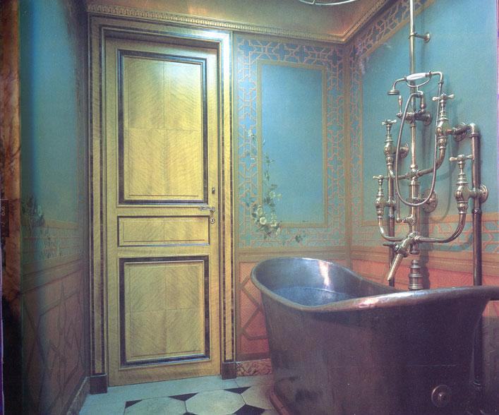 nureyev-apartement bath.jpg