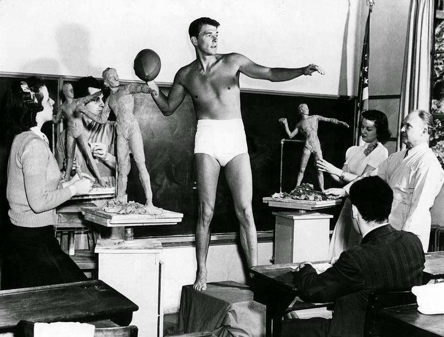 "Ronald Reagan poses for a sculpture class at USC as an example of ""ideal male physique"", 1940.jpg"