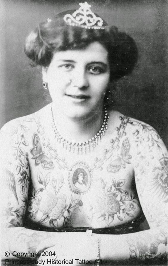 Жена татуировщика, 1905 год. И другие удивительные фотографии. 0ec9c6d5801d0f15620c25d859aa0571.jpg