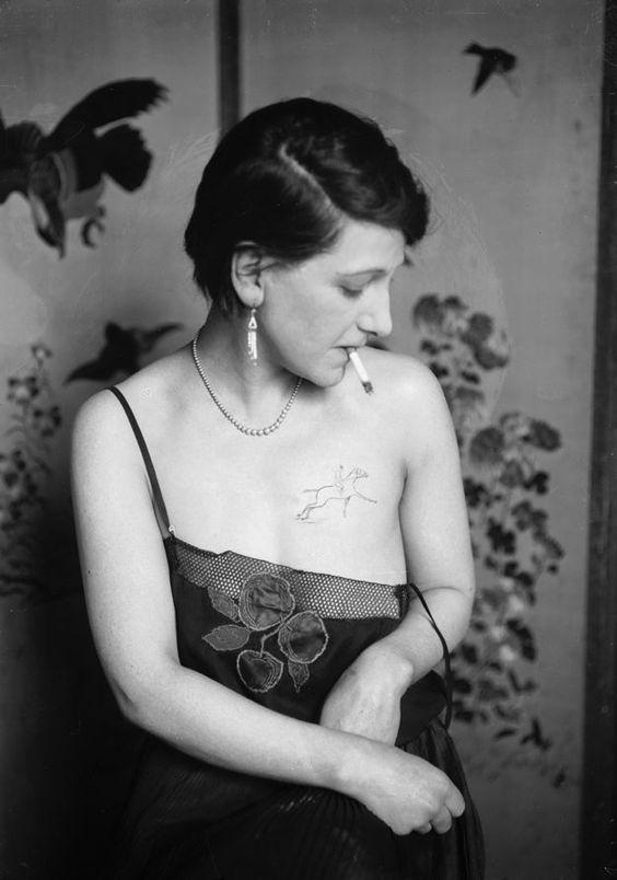 Жена татуировщика, 1905 год. И другие удивительные фотографии. 8f3e207fff3e653e4fc2f97123042295.jpg