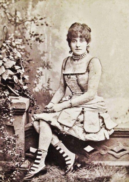 Жена татуировщика, 1905 год. И другие удивительные фотографии. 9baf696720daa9a75769cecfcdf111aa.jpg