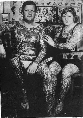 Жена татуировщика, 1905 год. И другие удивительные фотографии. 49f67de6c91b08648e80b643eeec586b.jpg