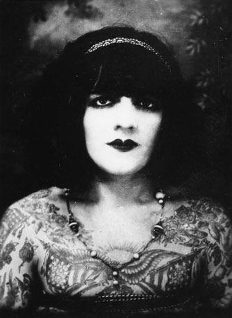 Жена татуировщика, 1905 год. И другие удивительные фотографии. 222b3917f20fa792012eb4971ecaa769.jpg