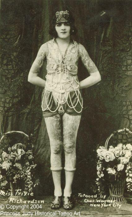 Жена татуировщика, 1905 год. И другие удивительные фотографии. 2071317557c94da7cf2f97ed0767b724.jpg