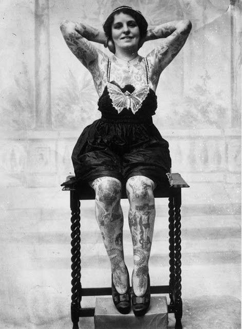 Жена татуировщика, 1905 год. И другие удивительные фотографии. a8f409ddb05325bfe614c689e4fb0ce3.jpg