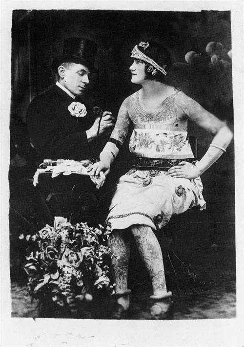 Жена татуировщика, 1905 год. И другие удивительные фотографии. charwag1.jpg
