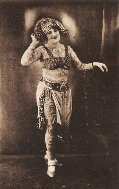 Жена татуировщика, 1905 год. И другие удивительные фотографии. d2048390bcfc8f5edd10d438ffc5b886.jpg