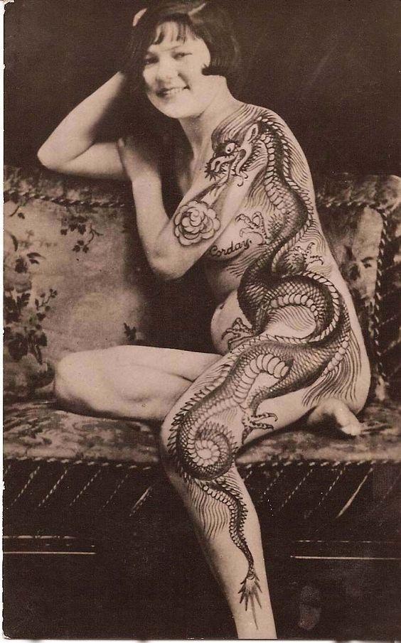 Жена татуировщика, 1905 год. И другие удивительные фотографии. db410fa712cfca1d6170bfe793440e31.jpg
