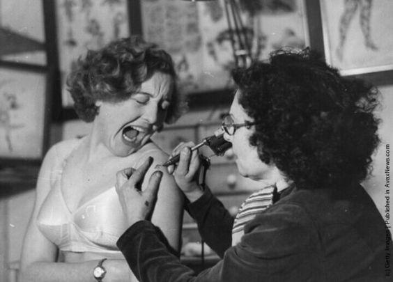 Жена татуировщика, 1905 год. И другие удивительные фотографии. efa021542bcd8fca90f7da3128e9ac38.jpg