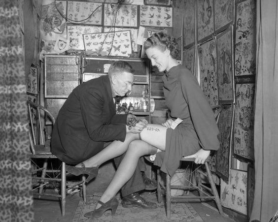 Жена татуировщика, 1905 год. И другие удивительные фотографии. f715a5a9cc827317620854219dff8a44.jpg