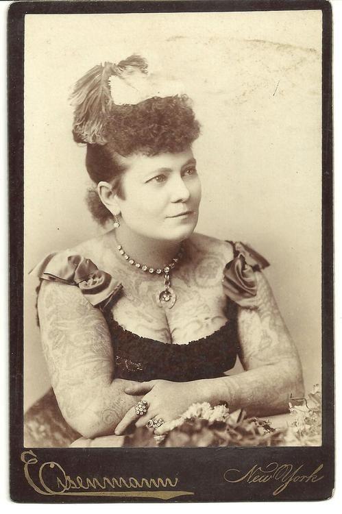 Жена татуировщика, 1905 год. И другие удивительные фотографии. f825bc5c3fcdf8ec165df6490c842d98.jpg