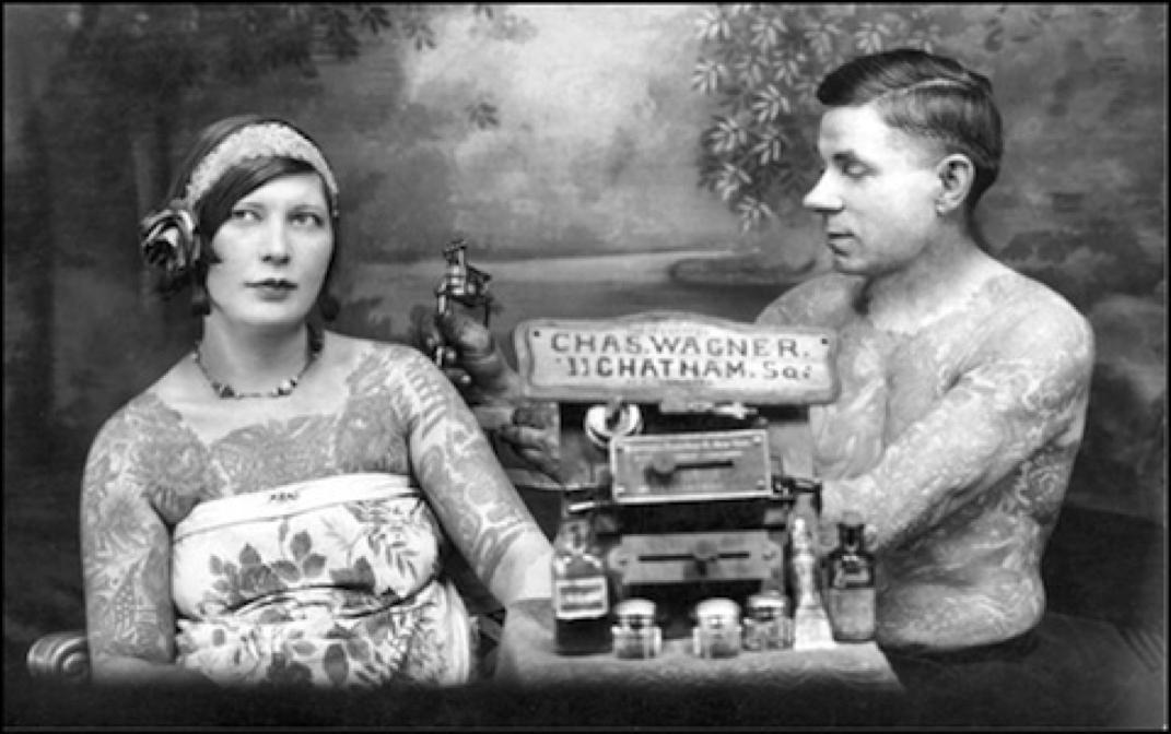 Жена татуировщика, 1905 год. И другие удивительные фотографии. 1.jpg