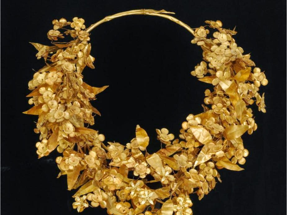 1213-arts-pohl-2-cutline-info-golden-myrtle-wreath-of-queen.jpg