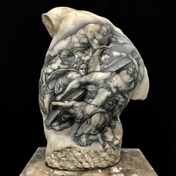 Венера Милосская с татуировкой дракона
