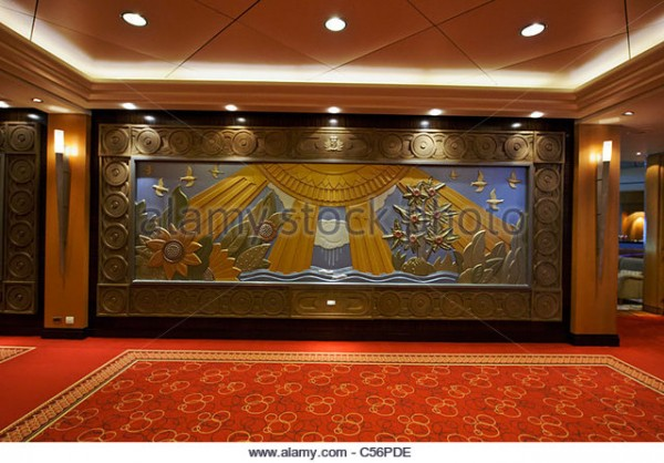 bas-relief-of-summer-in-the-corridor-leading-to-the-grand-lobby-on-c56pde.jpg