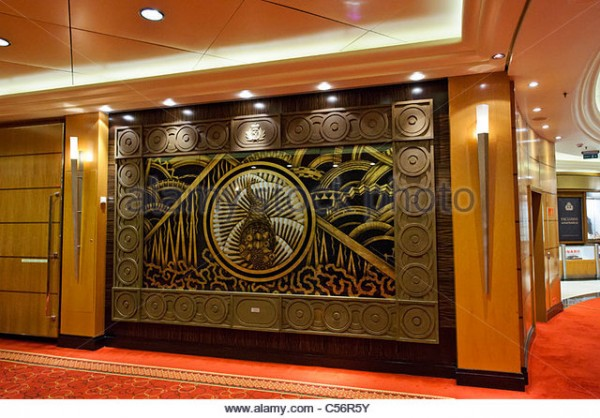large-art-deco-panels-decorate-the-hallway-on-deck-3-queen-mary-2-c56r5y.jpg