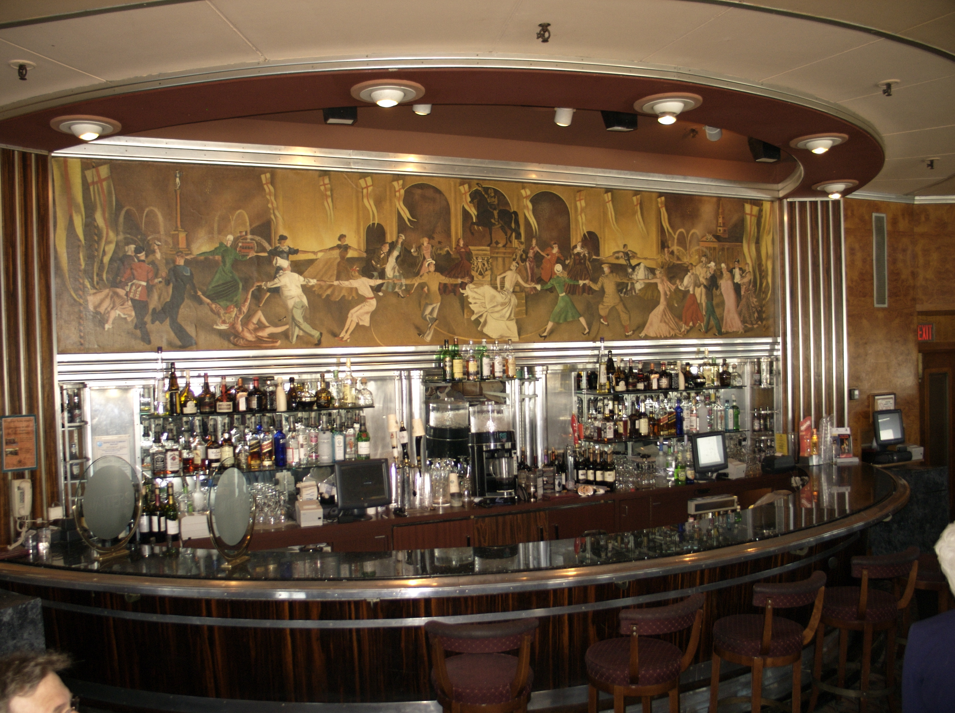 RMS_Queen_Mary_Observation_Lounge. Photo by Colin Rose, Flickr.jpg