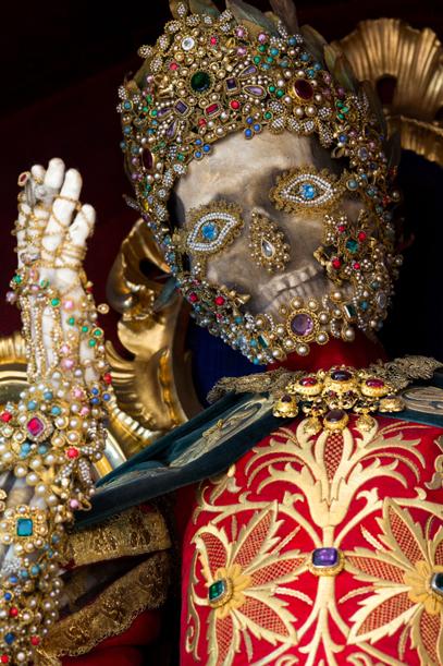 Конвейер бриллиантовых скелетов 7.jpg