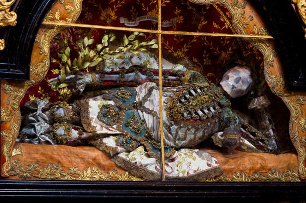 Конвейер бриллиантовых скелетов 10.jpg