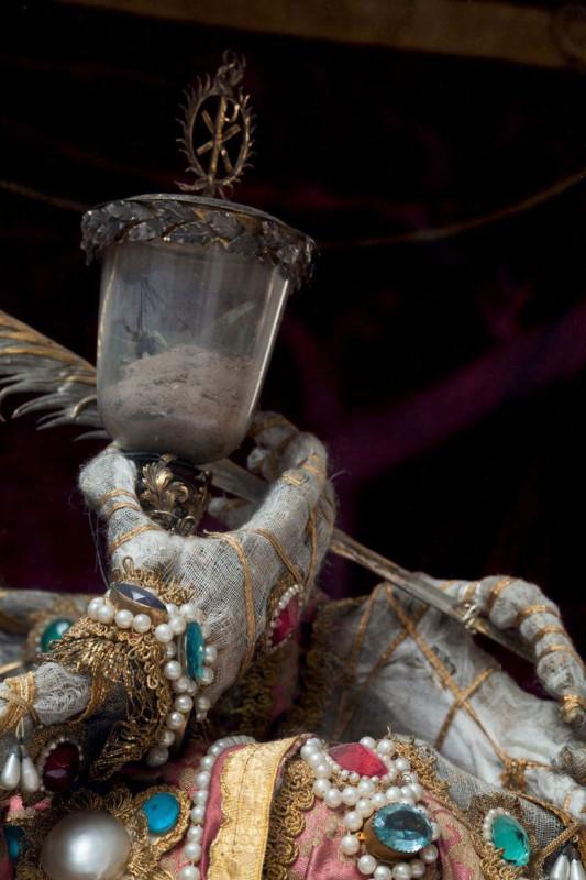 Конвейер бриллиантовых скелетов Paul-Koudounaris-Heavenly-Bodies-Yellowtrace-12.jpg