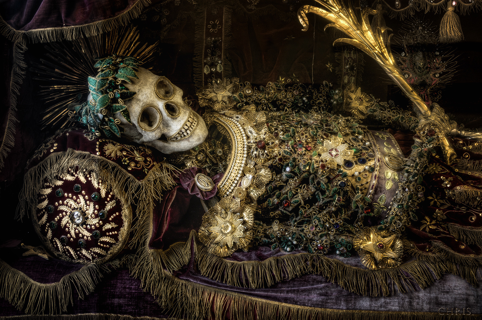 Конвейер бриллиантовых скелетов 18aff22165cf0c88ecfdf56a417d3c09.jpg