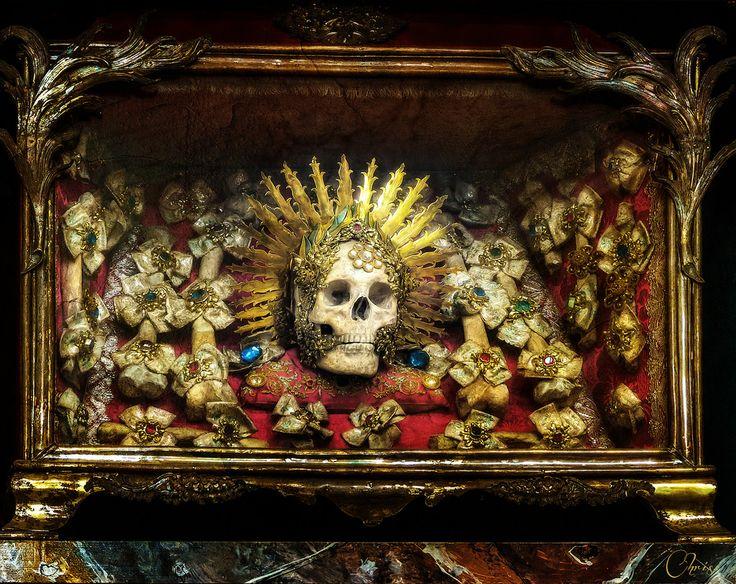 Конвейер бриллиантовых скелетов 317a27b653000755ede6d7d438c8034f--catacombs-martyr.jpg