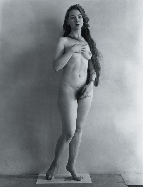 Erwin Blumenfeld. Venus, 1946.jpg
