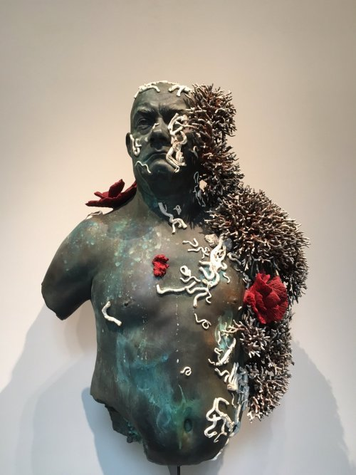 treasures-from-the-wreck-of-the-unbelievable-2017-001-damien-hirst-bust.jpg