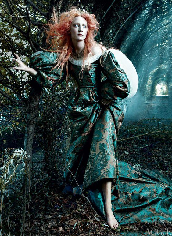 Annie Leibovitz and  Małgorzata Maj for Italian Vogue.jpg