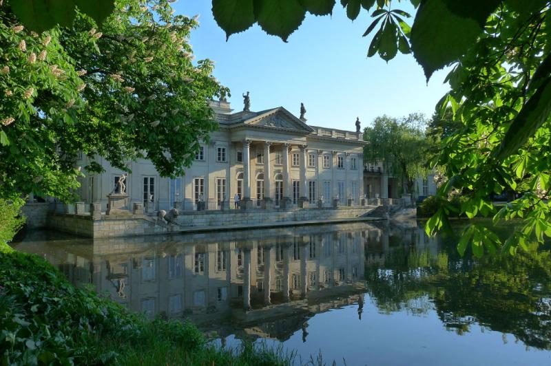 Летний вид Лазенковского дворца