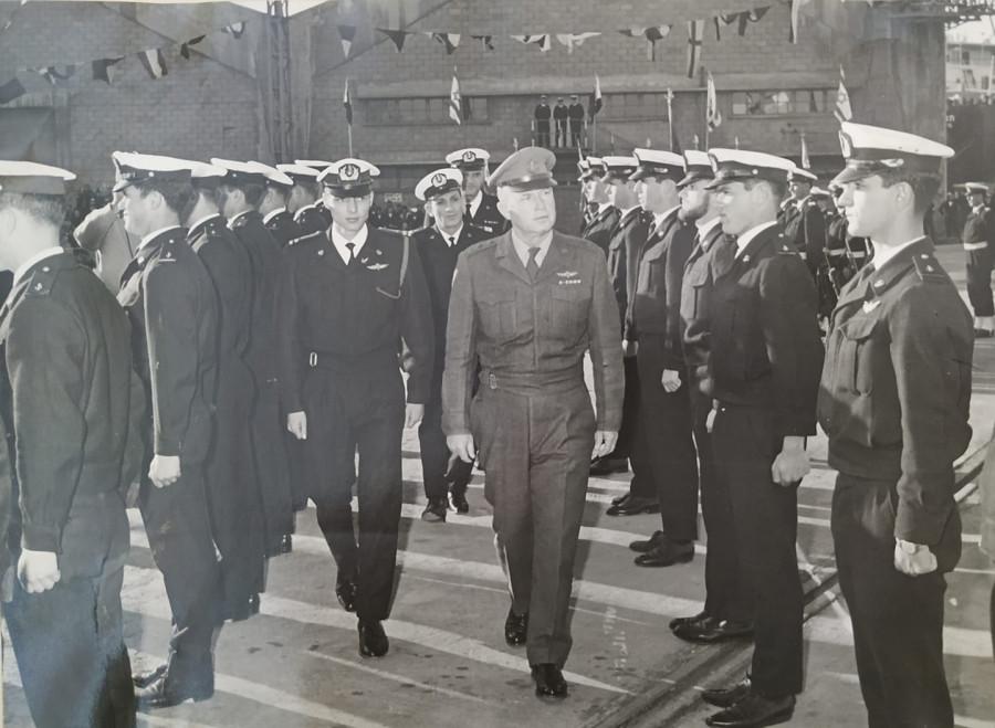 Торжественная церемония выпуска офицеров израильского Военно-морского флота. 1967 год