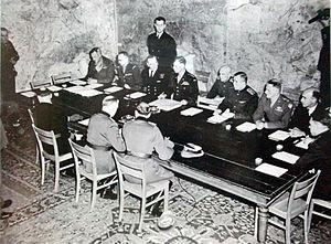 Signature_de_la_rédition_le_7_mai_1945
