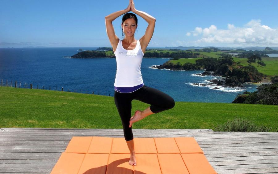 girl-brunette-yoga-legs-Favim.com-481925