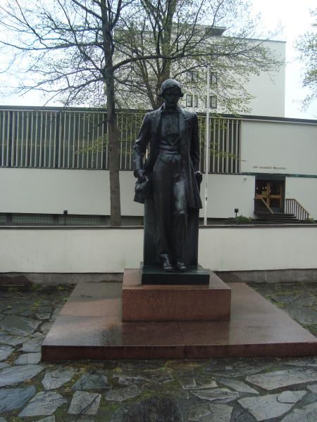 Турку. Памятник Й.Ю.Векселлю