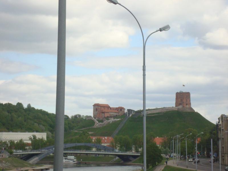 Вильнюс. Вид на гору Гедимина с Зелёного моста