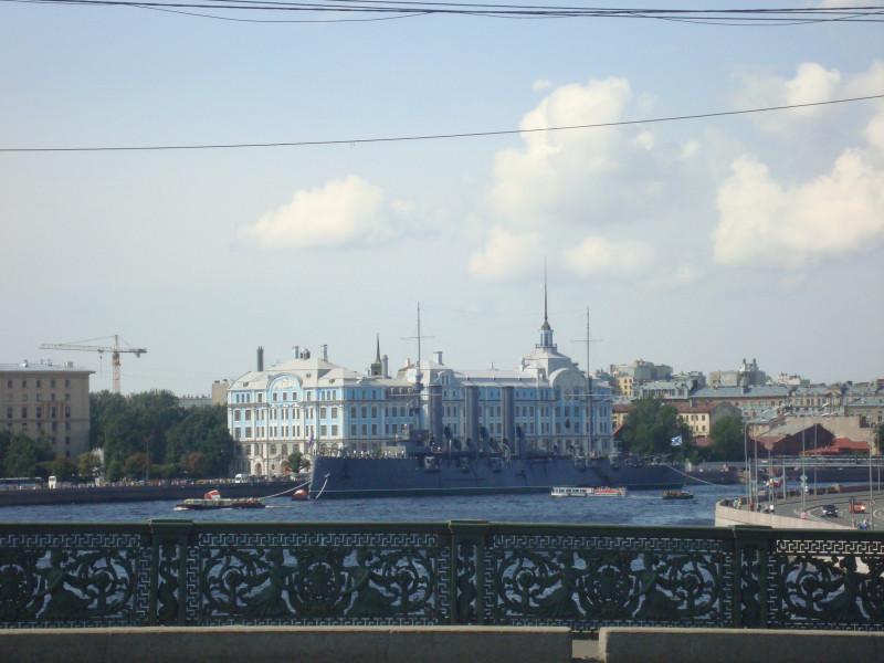 Санкт-Петербург. Петроградский остров. Крейсер Автора. Нахимовское училище