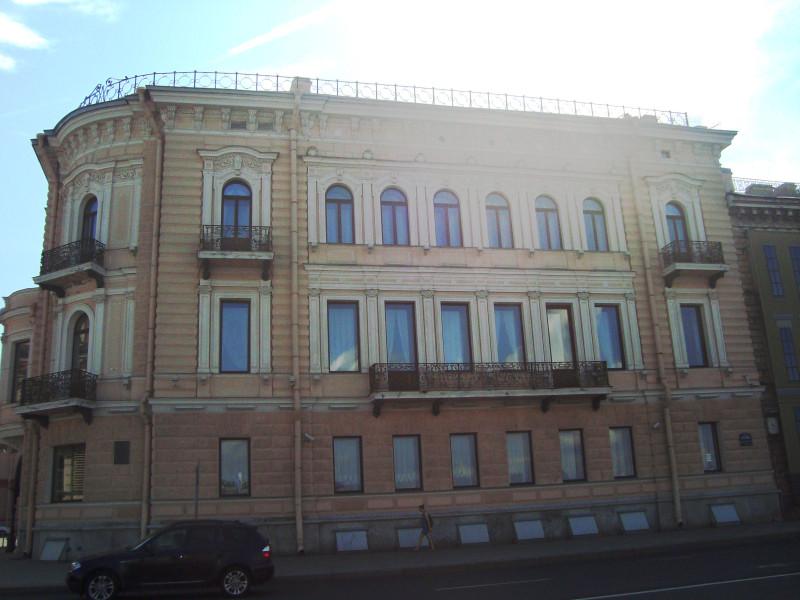 Санкт-Петербург. Наб.Кутузова, д.4
