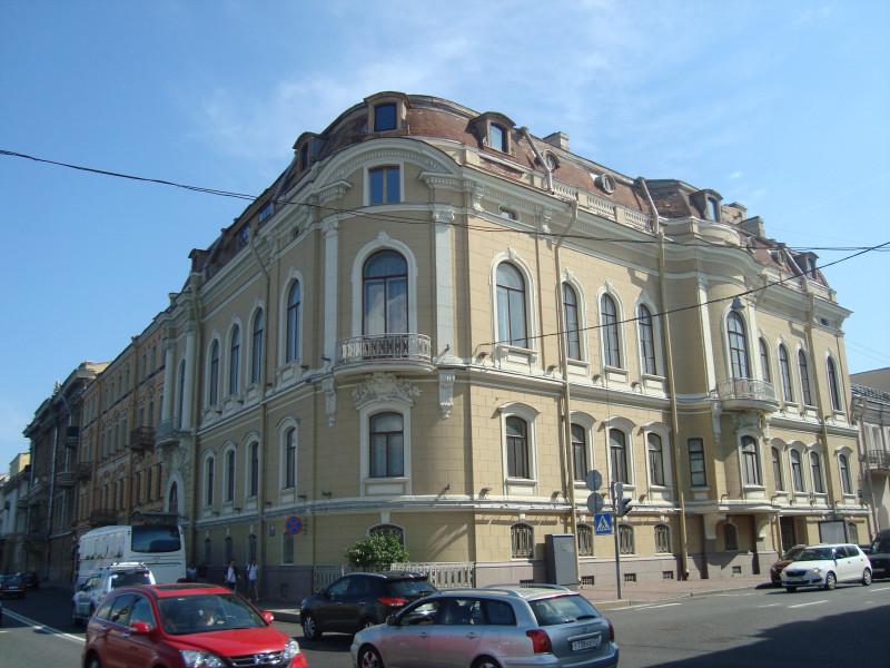 Санкт-Петербург. Наб.Кутузова, д.22