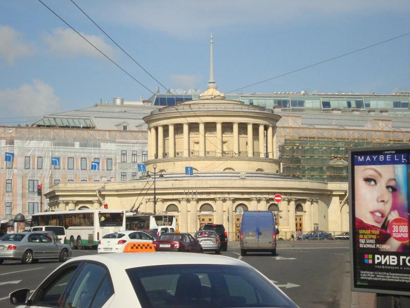 Санкт-Петербург. Павильон станции метро Площадь Восстания