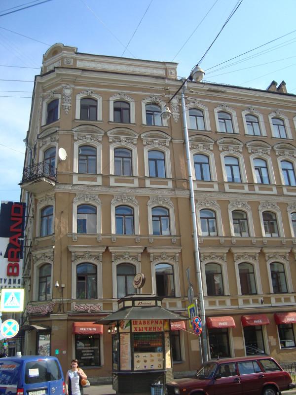 Санкт-Петербург. Суворовский пр-т, д.9