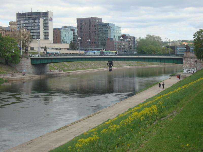 Вильнюс. Зелёный мост