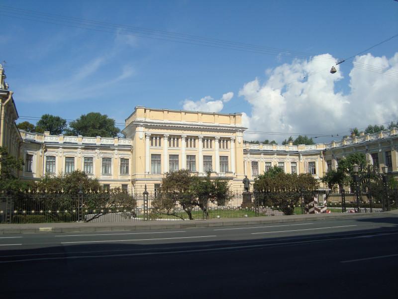 Санкт-Петербург. Суворовский пр-т, д.32Б