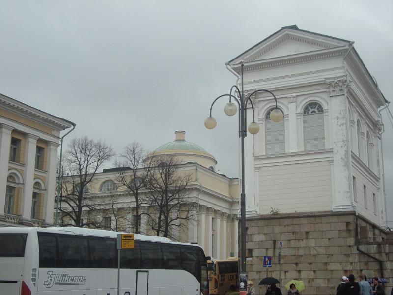 Хельсинки. Западный павильон Кафедрального собора святого Николая и Национальная Библиотека (2)