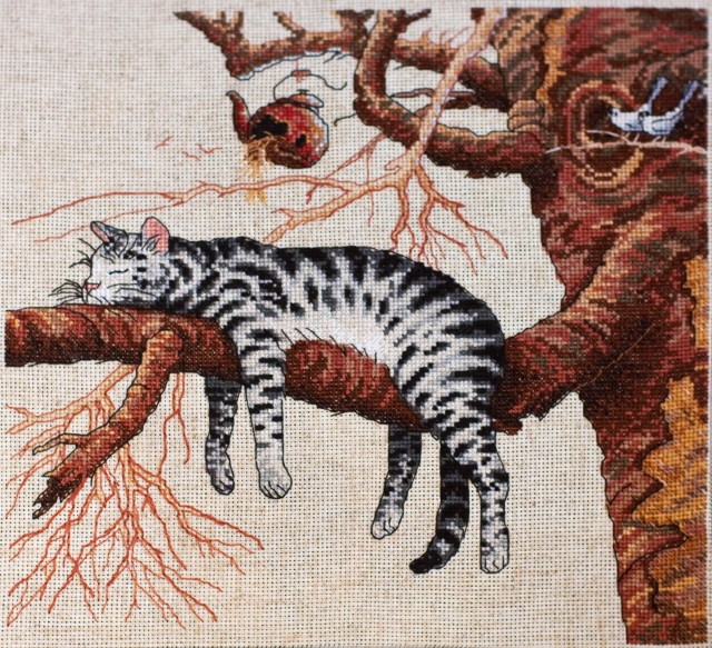 Схема вышивки кот спит на подушке