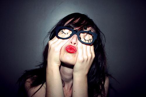 eyelash-fashion-girl-glasses-kiss-Favim.com-140101_large
