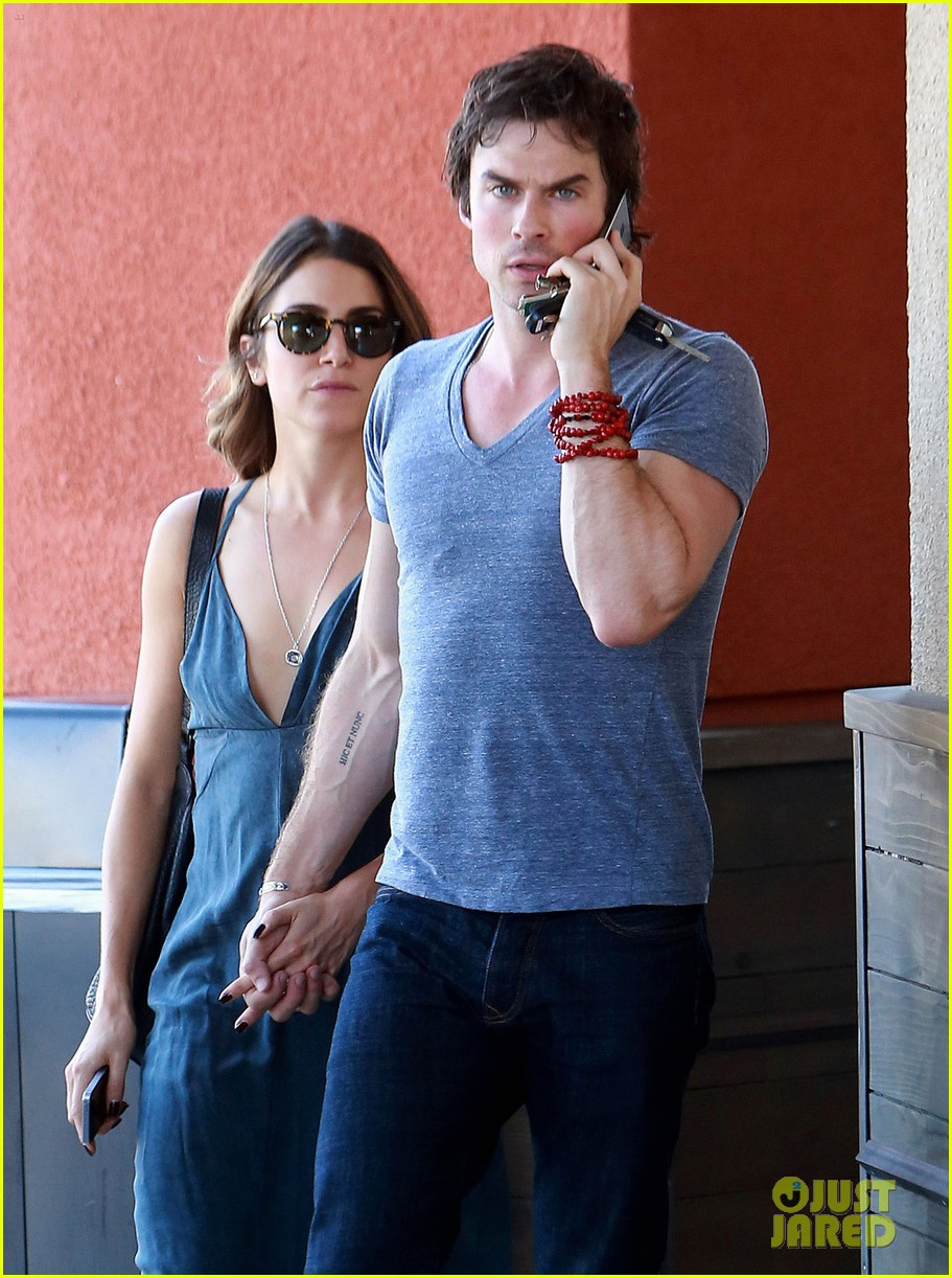 nikki-reed-ian-somerhalder-hold-hands-hot-day-01
