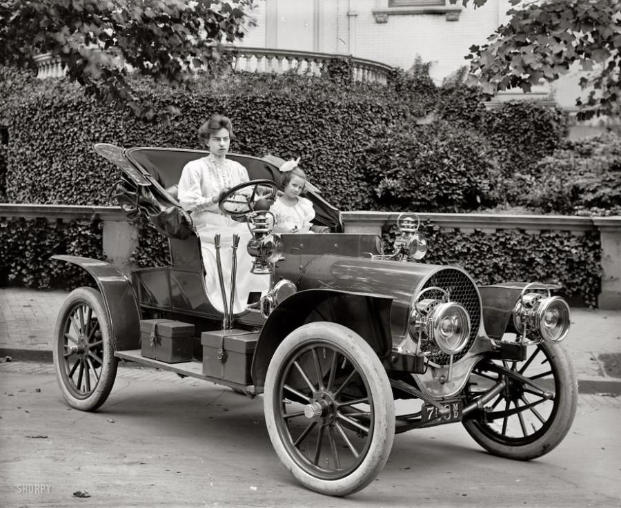 1907 Franklin Model D automobile, Washington, D.C. circa 1908.